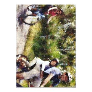 """Familia que disfruta de un paseo del ciclo invitación 5"""" x 7"""""""