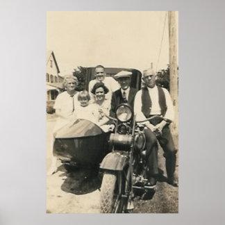 familia y coche lateral de la motocicleta impresiones