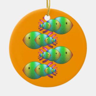 Familias cristianas del símbolo de los pescados ornamento de navidad