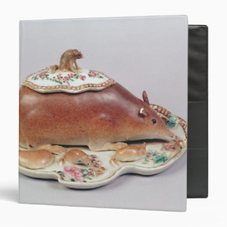 Famille rose sauce tureen and cover modelled binder
