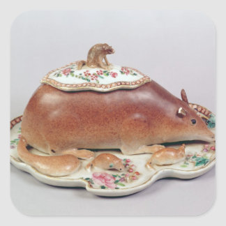 Famille rose sauce tureen and cover modelled stickers