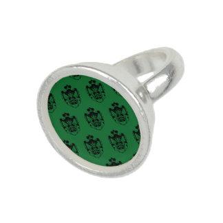 Family Crest Black Green Rings