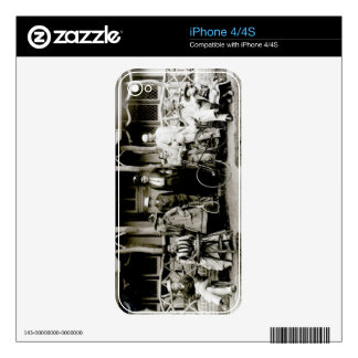 Family Group, c.1900 (b/w photo) Skin For iPhone 4
