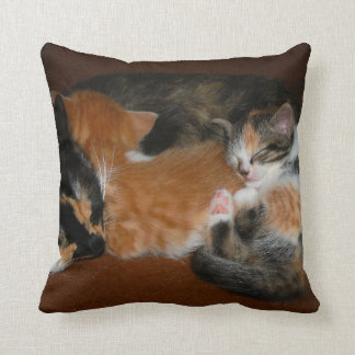 Family of sleepy kittens throw pillow
