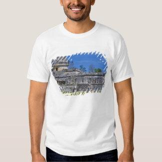 Family of tourists walk past ancient Mayan T-Shirt