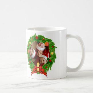Family Photo Customizable_Christmas Wreath Coffee Mug