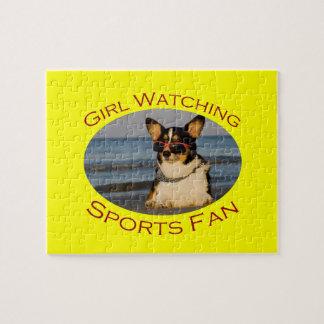 Fan de deportes de observación del chica puzzles