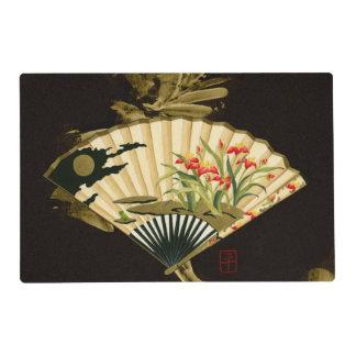 Fan oriental prensada con diseño floral tapete individual