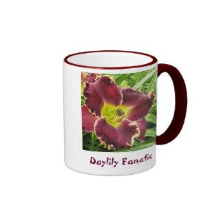 Fanático del Daylily con la flor púrpura Tazas