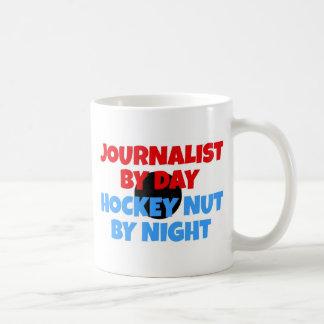 Fanático del hockey del periodista taza