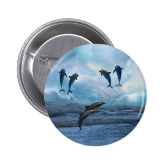 Fantasía de los delfínes pin redondo de 2 pulgadas