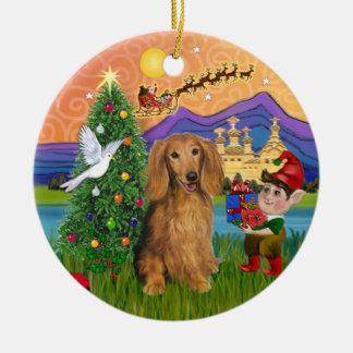 Fantasía de Navidad - Dachshund de pelo largo del Adorno Redondo De Cerámica