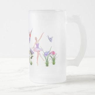 Fantasía del ballet, flores, loro, mariposa taza de cristal