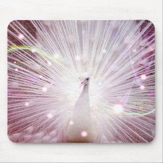 Fantasía del pavo real en rosa tapete de ratón