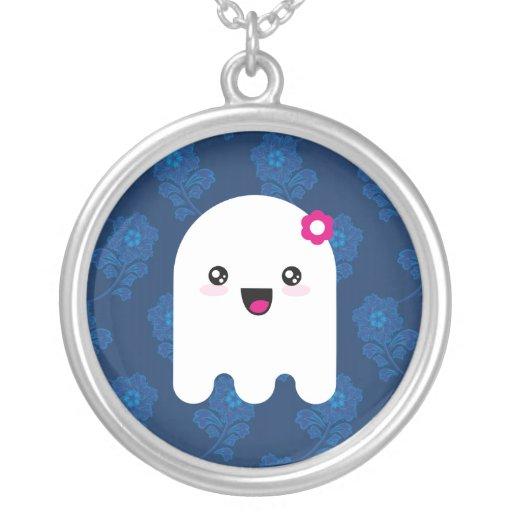 Fantasma de Kawaii Collar Plateado
