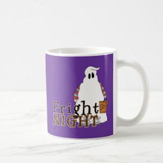 Fantasma Halloween de la noche del susto Taza Básica Blanca