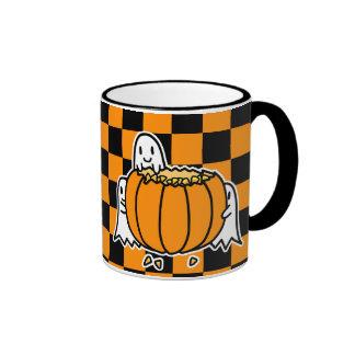 Fantasmas y calabaza taza de café