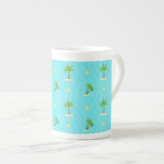 Fantastic palm trees wavy lines pattern tea cup