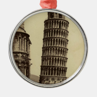 Fantastic photo of Pisa tower in 1860! Ornaments