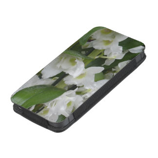 Fantastic white blossoms iPhone 5 pouch