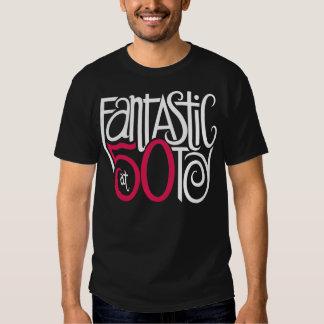 Fantástico en la camiseta de la oscuridad 50 playera