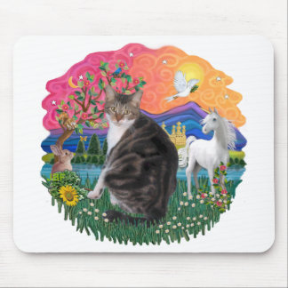 Fantasy Land - Tabby and White cat (AmSH) Mouse Pad