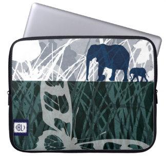 """FAR..FAR AWAY, blue"" laptop padded case Funda Computadora"