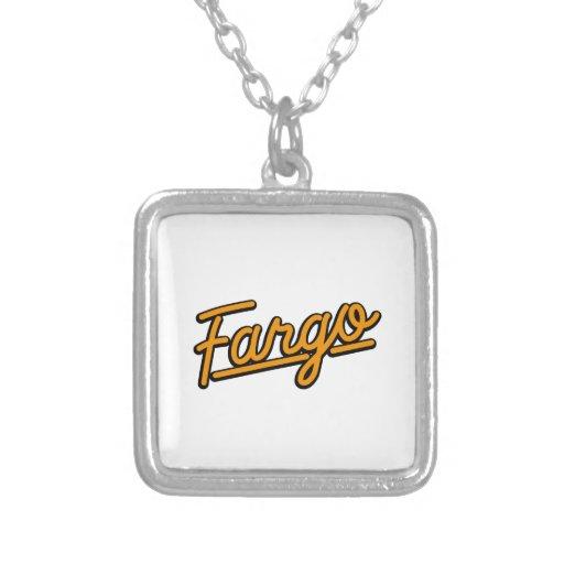 Fargo en naranja colgantes
