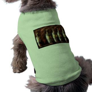 Farmacéutico - cinco botellas camisa de mascota