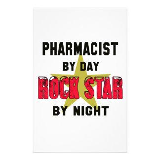 Farmacéutico por el día rockstar por noche papelería de diseño