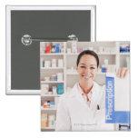 Farmacéutico que lleva a cabo la prescripción en f pin