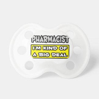Farmacéutico. Soy un poco una gran cosa Chupetes De Bebé