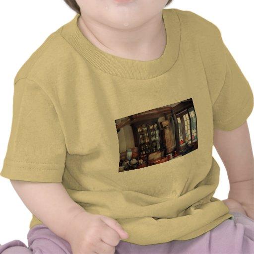 Farmacéutico - visitar al boticario camisetas