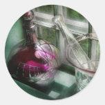 Farmacia - el boticario está abierto pegatinas redondas