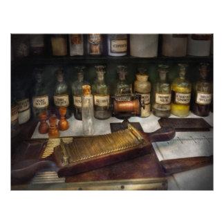 "Farmacia - el dispensario folleto 8.5"" x 11"""