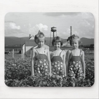 Farmer's Daughters, 1939 Mouse Pad