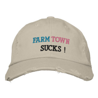 FARMTOWN SUCKS HAT
