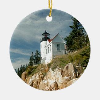 Faro bajo de la cabeza del puerto adorno navideño redondo de cerámica