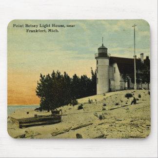 Faro de Betsey del punto cerca de Frankfort Michig Alfombrillas De Ratones
