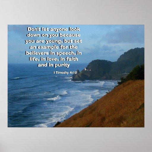 Faro de la costa llamado por la impresión de dios póster