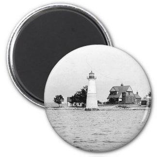 Faro de la isla de la roca imán redondo 5 cm