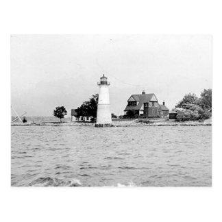 Faro de la isla de la roca postal
