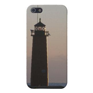 Faro de Pierhead en el amanecer iPhone 5 Carcasa