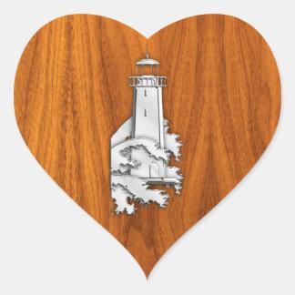 Faro del estilo del cromo en la decoración de pegatina en forma de corazón