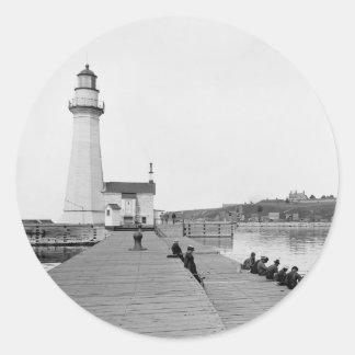 Faro del oeste de Pierhead del puerto de Oswego Pegatina Redonda