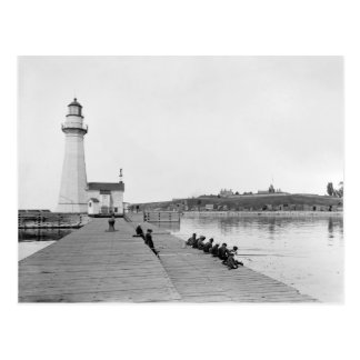Faro del oeste de Pierhead del puerto de Oswego Tarjetas Postales