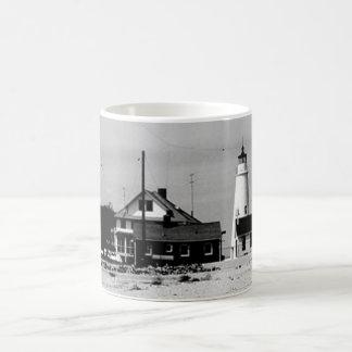 Faro del punto de la ensenada taza básica blanca