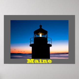 Faro del punto de Marshall en la puesta del sol en Posters