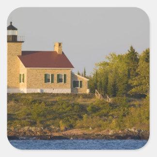 Faro en el lago Superior cerca del puerto de cobre Pegatina Cuadrada