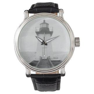 Faro herboso de la gama de la isla relojes de pulsera